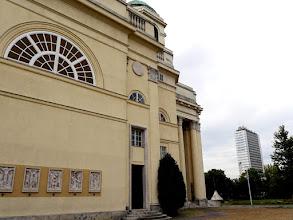 Photo: A templom kétoldali falába építve láthatjuk az új stációkat. (Tarr Miklós helyi szobrászművész alkotása)