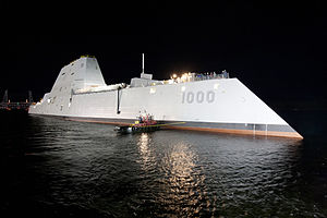 USS_Zumwalt_(DDG-1000)_at_night.jpg
