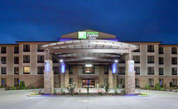 Holiday Inn Express and Suites St Louis Airport