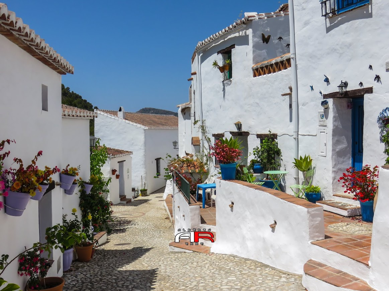 Aldea El Acebuchal (Frigiliana) Málaga