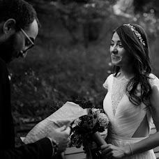 Wedding photographer Simona Toma (JurnalFotografic). Photo of 06.09.2019