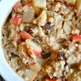 . Baked Apple Cinnamon Raisin Oatmeal .