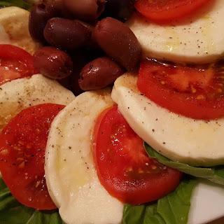 Tomato Mozzarella Salad (Caprese)