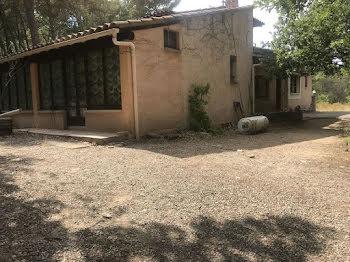 villa à Saint-Estève-Janson (13)