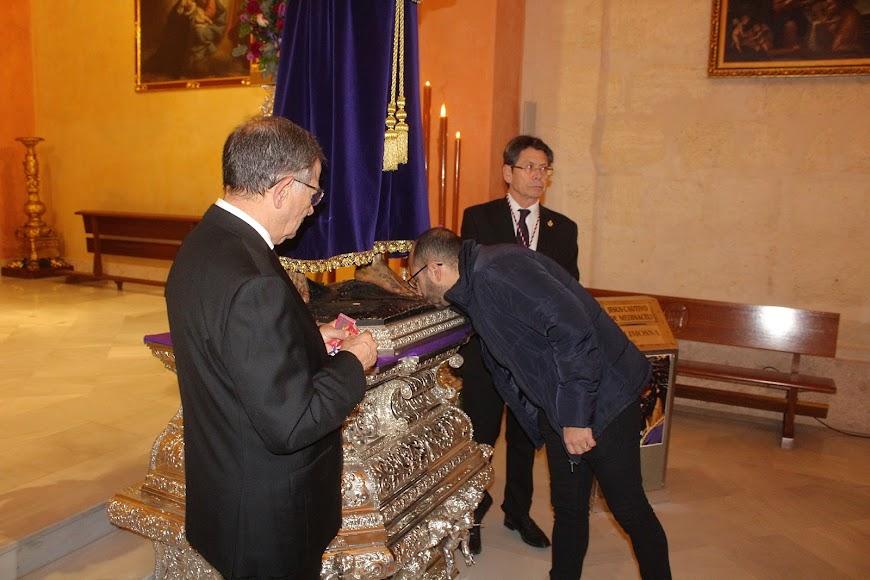 Besapiés del Señor Cautivo de Medinaceli.