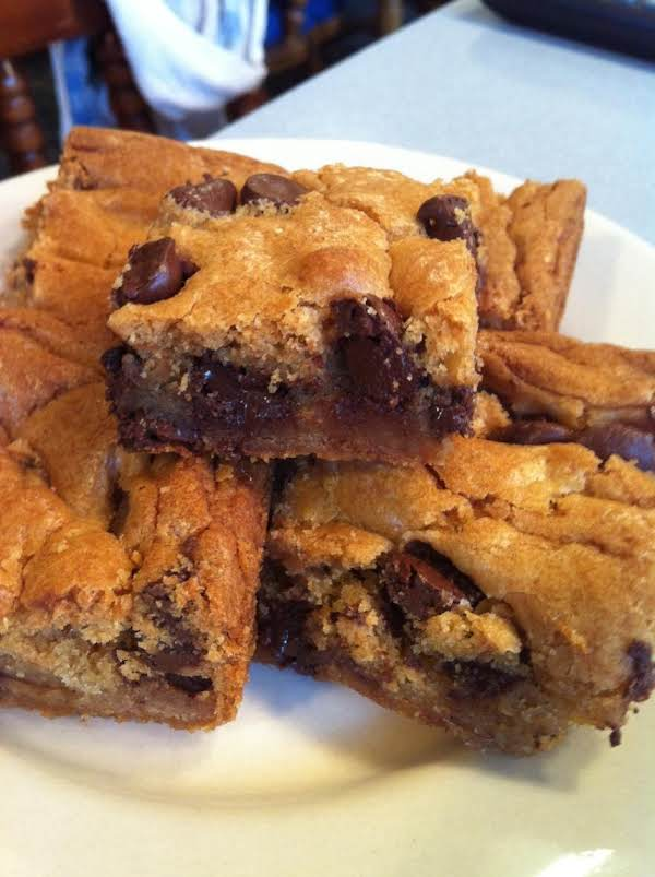 Blonde Chocolate Chip Brownies Recipe