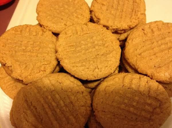 Gluten Free Peanut Butter Cookies!! Recipe
