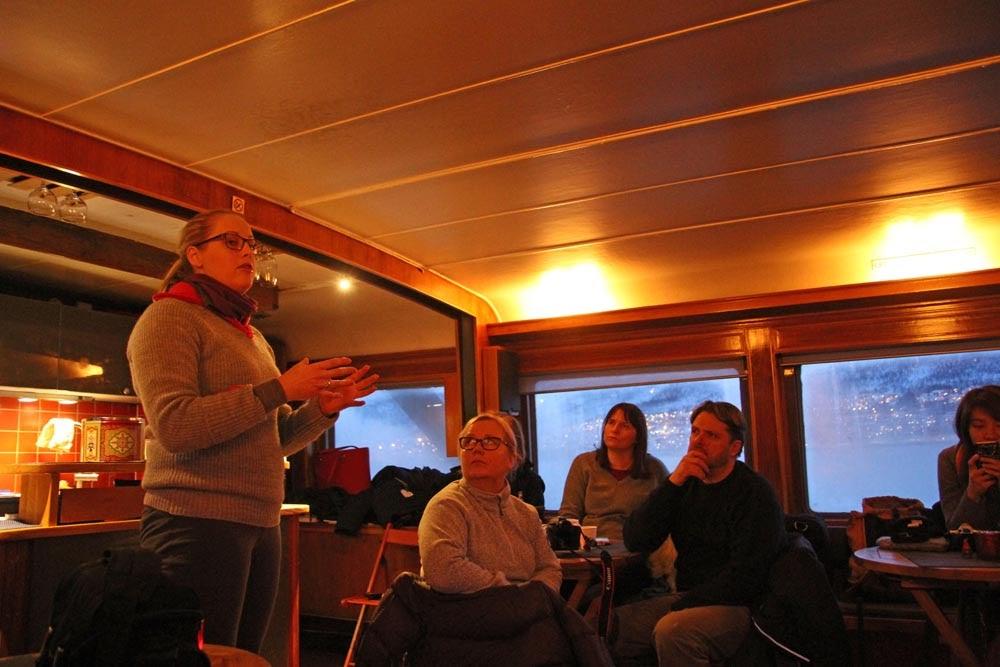 A Experiência da observação de ORCAS e BALEIAS nos fiordes de Tromso | Noruega