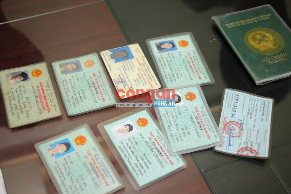 Một số giấy tờ tùy thân của những người vay tiền Lê Xuân Hải
