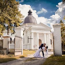 Wedding photographer Oleg Koval (KovalOstrog). Photo of 30.11.2014