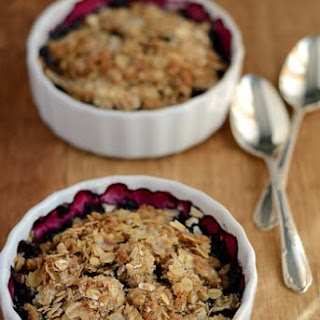 Lightened-up Blueberry Crisp