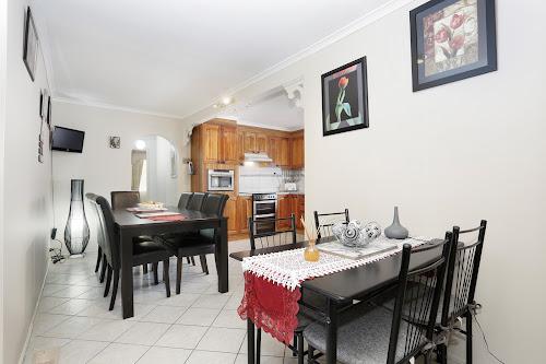 Photo of property at 19 Wintersun Drive, Albanvale 3021