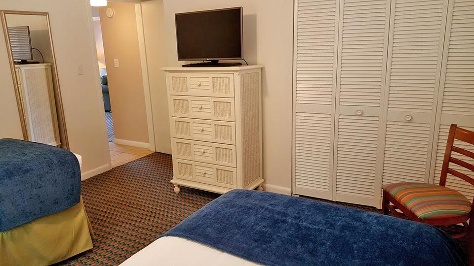2 Bedroom Suite Picture Number 8