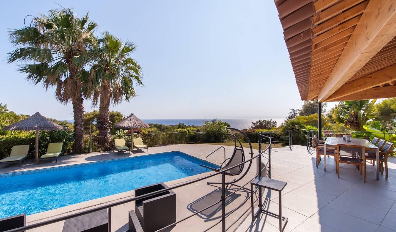 Maison avec piscine en bord de mer Saint-Cyr-sur-Mer