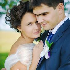 Wedding photographer Lyubov Lokotkova (EmmiliA). Photo of 14.08.2013
