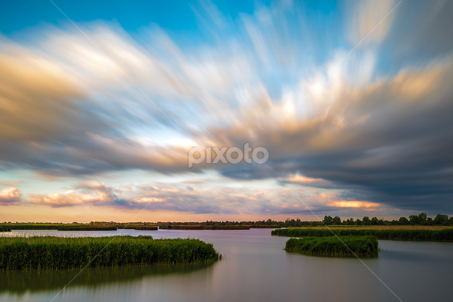Sunset over the lagoon by Roberto Melotti - Landscapes Weather ( water, clouds, silk, roberto melotti, lagoon, waterscape, twilight, beautiful, cloudscape, nikon d810, dusk, sunset, sunrise, moving clouds )