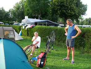 Photo: 6e Dag, dinsdag 21 juli 2009 Sankt Leon - Shellbornn Dag afstand: 83,0 km, Totaal gereden: 582 km. Kasteel Bruchsal. Camping Shellbornn, reparatie van en kapotte spaak in het achterwiel.