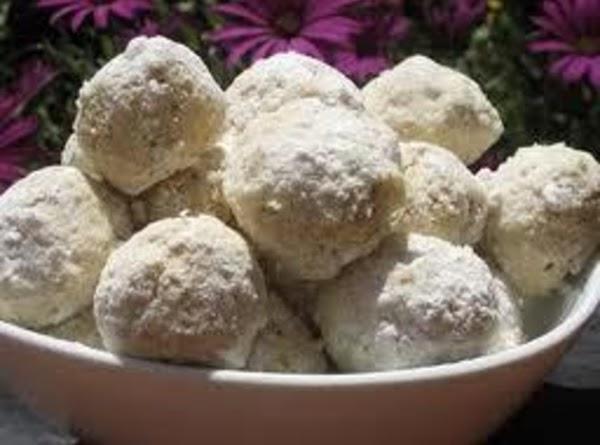 Macadamia Snowballs Recipe