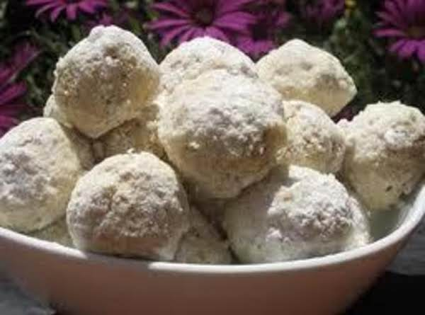 Macadamia Snowballs Recipe