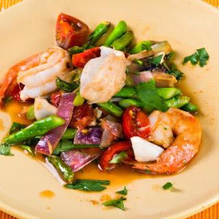 Seafood Asparagus with Garlic Mirin Sauce.