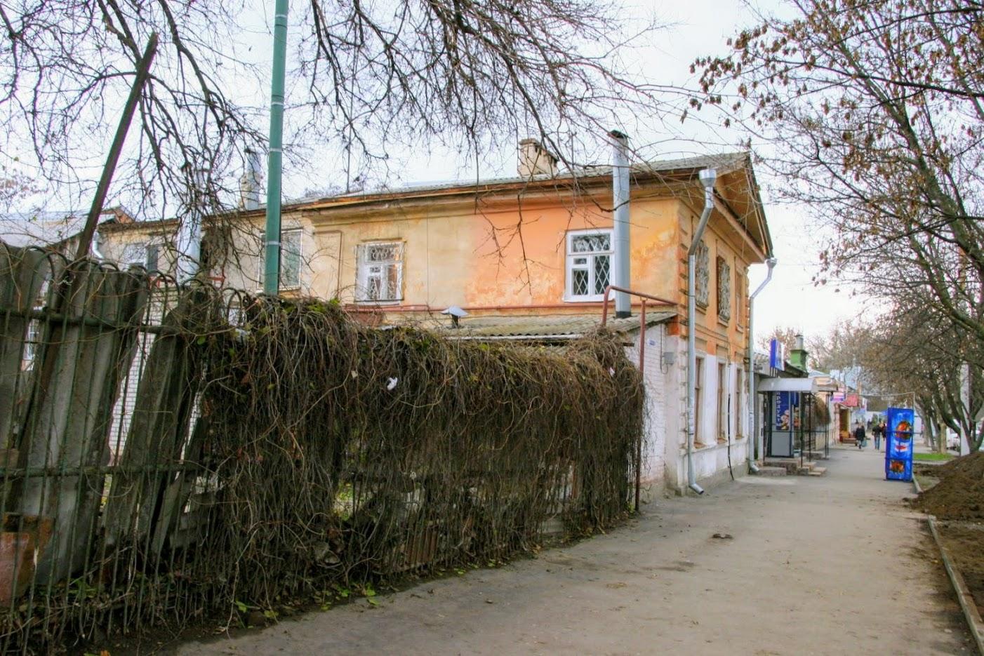 https://sites.google.com/site/istoriceskijtaganrog/frunze-ulica/dom-69