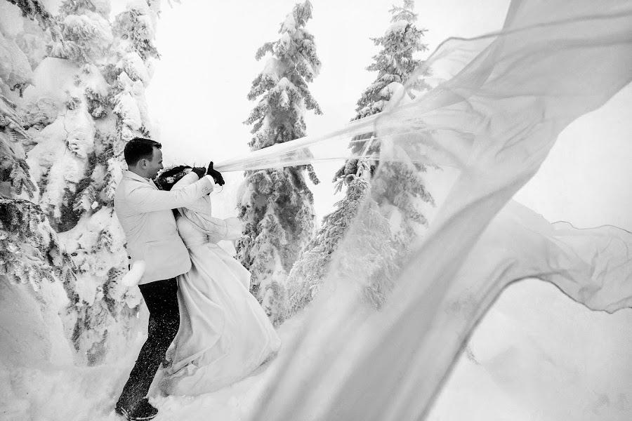 Wedding photographer Daniel Dumbrava (dumbrava). Photo of 26.01.2019