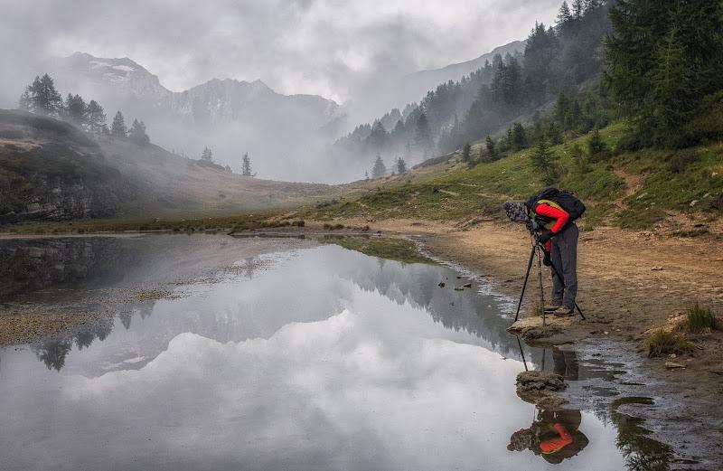 Il fotografo riflesso di nidinola