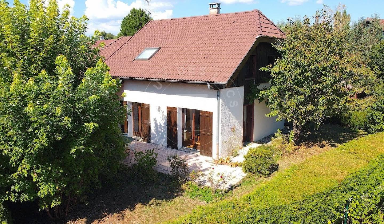 Maison avec jardin et terrasse Annecy-le-Vieux