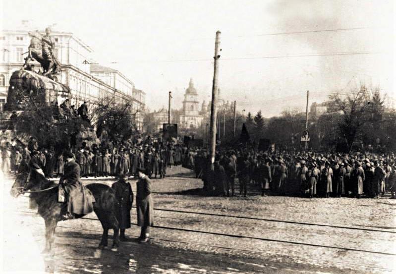 Частини Червоної Армії на Софійській площі, 1919 рік