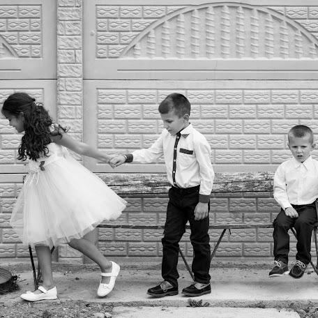 Wedding photographer Razvan Timplaru (timplarurazvan). Photo of 20.10.2017