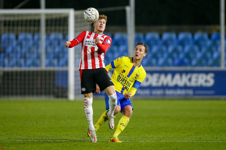 Eredivisie : un jeune Belge se distingue pour sa première titularisation avec le PSV - Walfoot.be