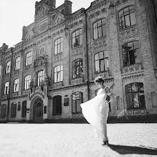 Wedding photographer Viktoriya Dovbush (VICHKA). Photo of 03.09.2013
