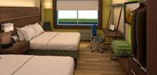 Holiday Inn Express and Suites Brentwood