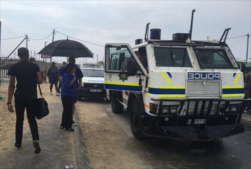 #Elections2016 police are still on scene around voting stations in Khayelitsha following earlier tensions. NM