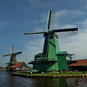 zaanse schans by Abhinav Ganorkar - Buildings & Architecture Public & Historical ( waterscape, buildings, architectural, landscapes, windmills, relax, tranquil, relaxing, tranquility )