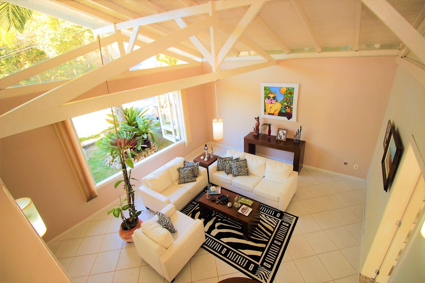 Casa em condomínio com 3 Dormitórios à venda, 273 m² por R$ 2.240.000,00