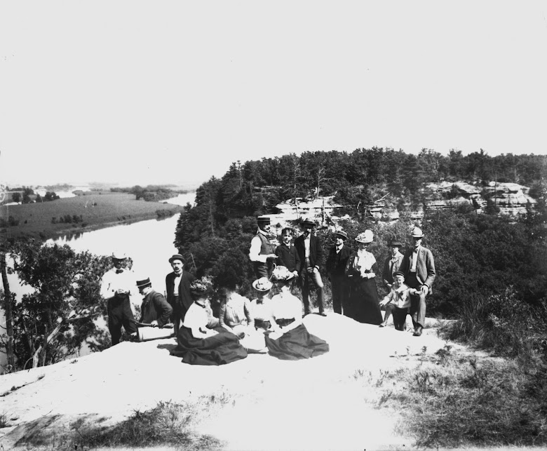 Academy field trip to Starved Rock State Park, ca. 1915