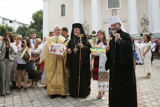 Photo: Архиєреї зустрічають гостей