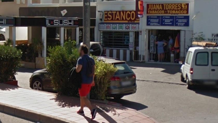 Imagen del exterior del punto de venta donde se ha despachado el boleto ganador.