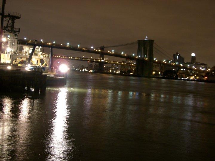 Sotto il ponte più famoso... di Ares