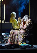 """Photo: WIEN/ BURGTHEATER; """"DANTONS TOD"""" von Georg Büchner. Inszenierung; Jan Bosse. Premiere 24. Oktober 2014. Adina Vetter, Joachim Meyerhoff. Foto: Barbara Zeininger"""