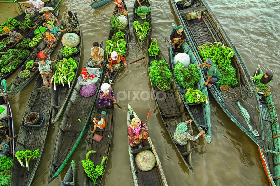 .: Busy Morning :. by Faizal Fahmi - Transportation Boats ( banana, south borneo, river city, floating market, indonesia, bandarmasih, boat, banjarmasin )