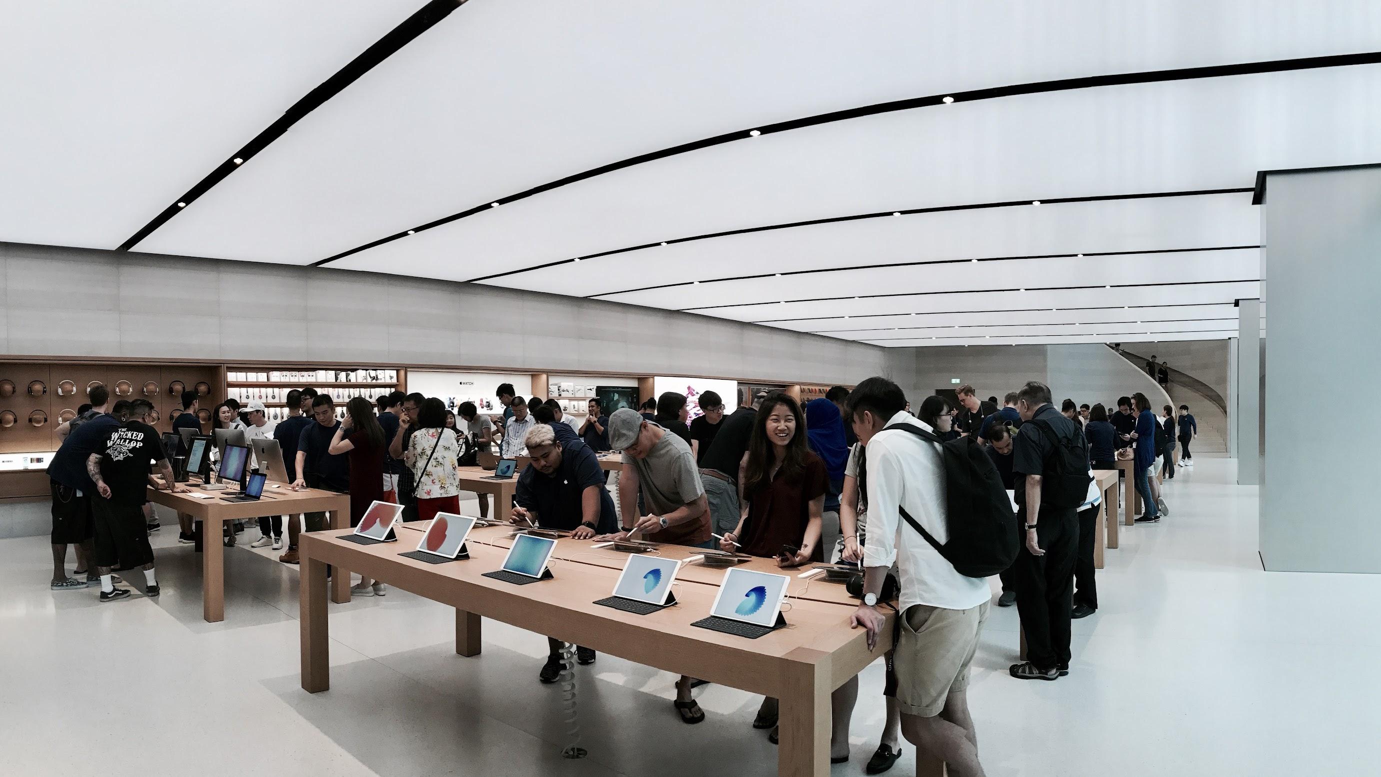 Apple Store, Singapore.
