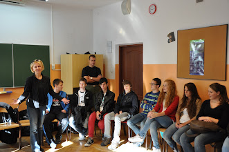 """Photo: Přivítání a představování na gymnáziu """"Fredro"""" na ulici Milej."""