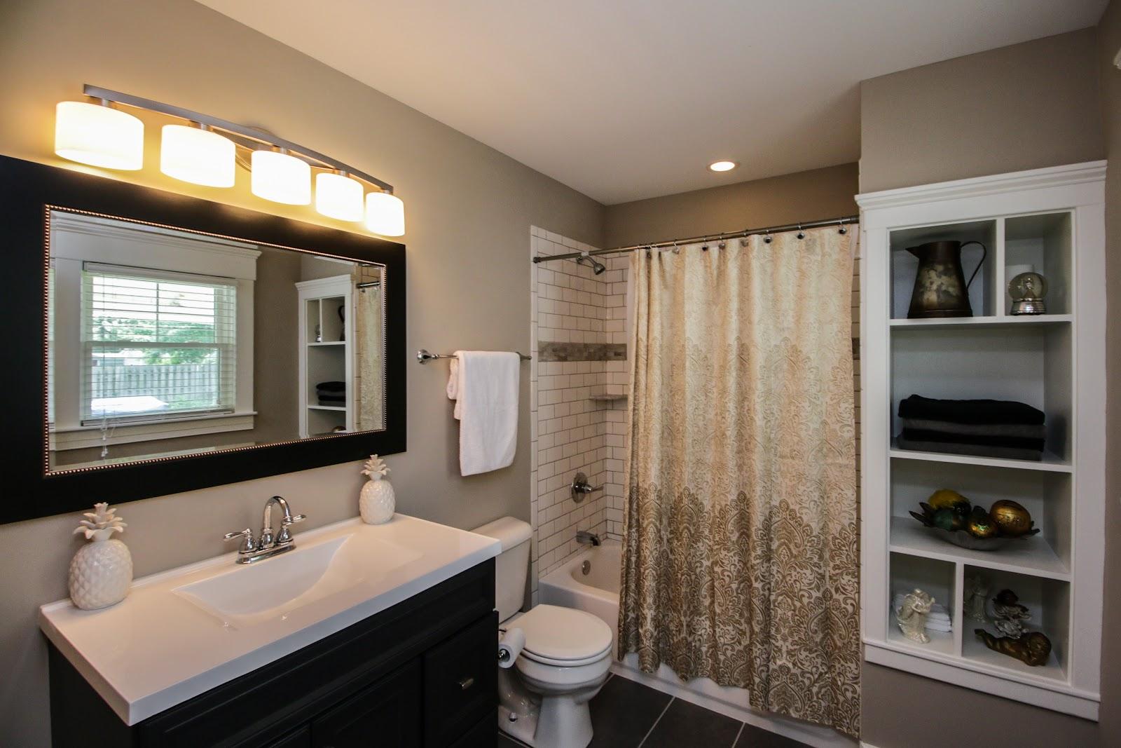 Bathroom for 1101 Forrest St Louisville KY 40217