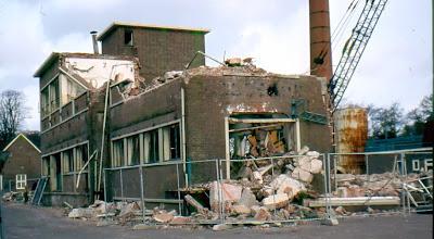 """Photo: Afbraak zuivelfabriek """"De Eendracht"""" in 1980"""