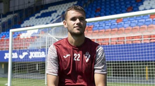 Aketxe llegó a un acuerdo con el Almería y se marchó libre al Eibar.