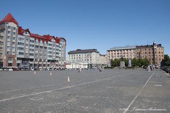 Photo: Красная площадь в Выборге. Памятник В.И. Ленину   установлен в 1957 году.