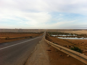Photo: Oued Chebika, with the fortification on the left