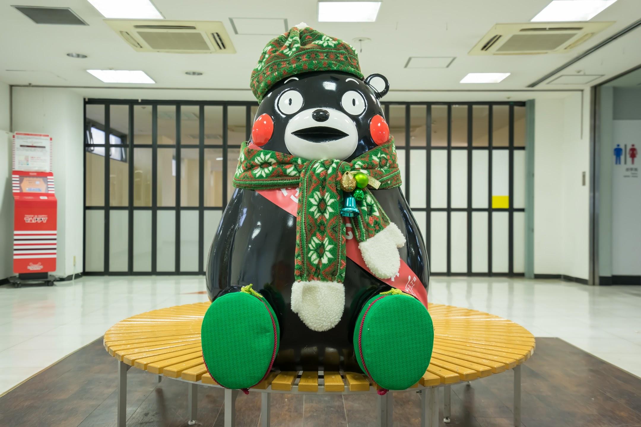 熊本駅 くまモン3
